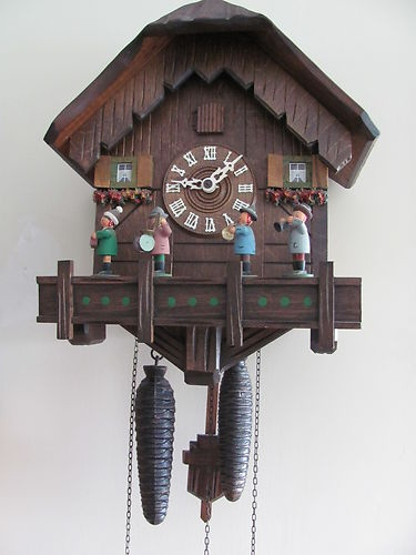 VINTAGE COO COO CLOCK MADE IN WEST GERMANY 4 FIGURES PLAYING MUSIC