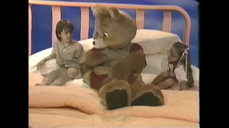 """Let Man-Sized Teddy Ruxpin lure you to sleep with in the 1987 live action/animated """"Come Dream With Me Tonight."""""""