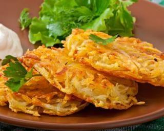 Pancakes de légumes à la tomate Cohen : http://www.fourchette-et-bikini.fr/recettes/recettes-minceur/pancakes-de-legumes-la-tomate-cohen.html