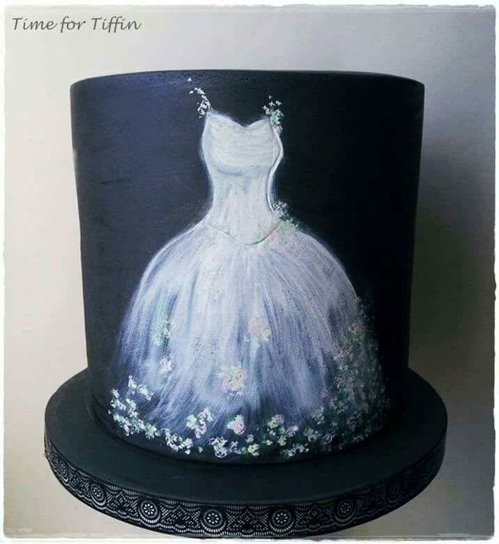 Beautifully painted chalk effect wedding dress - For all your cake decorating supplies, please visit craftcompany.co.uk