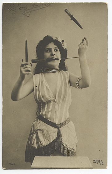 Unknown Risque Girl Knife-Juggler from The Netherlands,1906.: Go Girls, Knifes Thrower, Knifes Juggler, Vintage Circus, Vintage Photo, Circus Art, Knives, Old Photographers, Young Girls