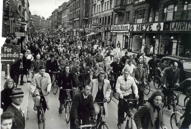 #Copenhagen, Denmark - Bicyclists in the 1940s
