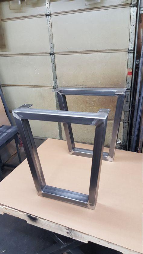 Este listado está para el juego de 2 trapezoide, comedor, Banco, tabla de extremo, lado patas tubo de acero. -Hecho de 2 por 3 tubos de acero. calibre 14 (. 075) pared. -acabado: acero crudo, capa transparente, negro, color personalizado Hay dimensiones H (altura) y anchura (superior) La anchura de la parte inferior es normalmente 5-6 más pequeño que el ancho superior. Podemos modificar la altura y la anchura. Envíenos sus dimensiones y le daremos un presupuesto ***