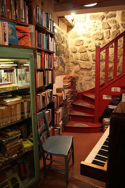 Inside Shakespeare and Company, Paris, France by alyssakai