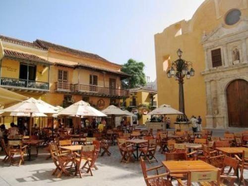 Plaza Santo Domingo - Cartagena #colombia