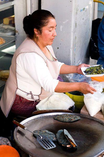 cb_mc_streetfood_quesadilla-lady_bh_final.jpg (398×600)