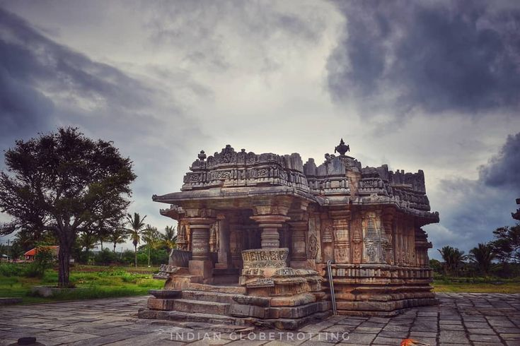 Nageshvara and Chennakeshava Temple Complex, Mosale  A 12th century temple located in the village of Mosale in Karnataka. This temple was built in 1200AD by Hoysala King Veera Ballala II. This Lesser Known Hoysala Temple is located just 10Km from Hassan in Karnataka.  #hoysala #hoysalaarchitecture #architecture #mosale #hassan #temple #stonesculpture #stonecarving #veeraballala #karnatakatourism #incredibleindia #indianglobetrotting