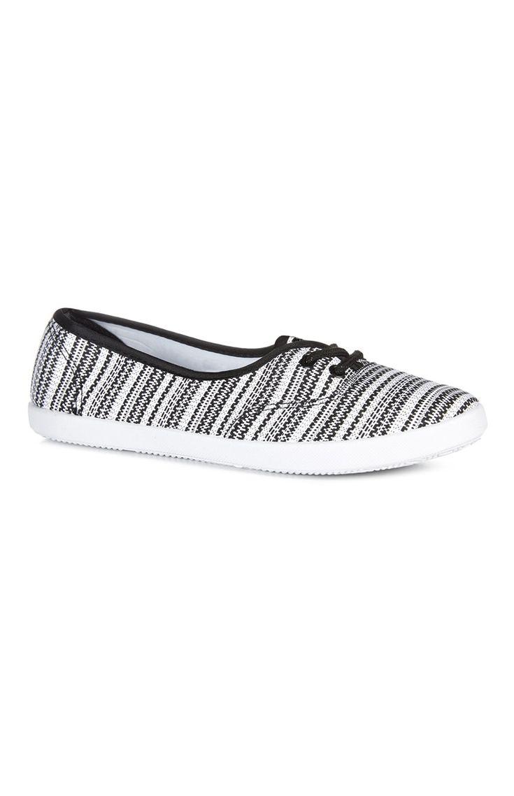 Primark - Zapatillas de tela blancas y negras