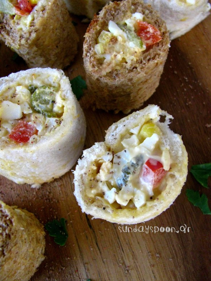 Εύκολα ρολάκια με ψωμί του τοστ και αυγοσαλάτα. Τα πιο εύκολα ρολάκια για το επόμενο πάρτυ σας!
