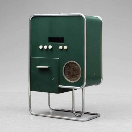 MUSIKMÖBEL | Bauhaus Style 1934-35 Bang & Olufsen  This model was designedinspired by Peter Bang's desk...