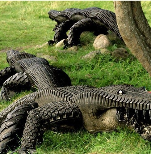 Florida appropriate yard decor made from recycled tires for Alligator yard decoration