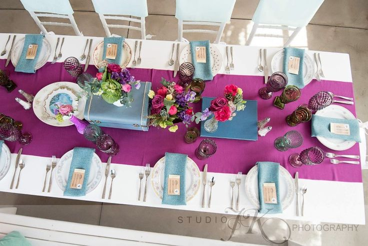 Berry Dupioni with pops of the Azure Vintage linen. Gorgeous!