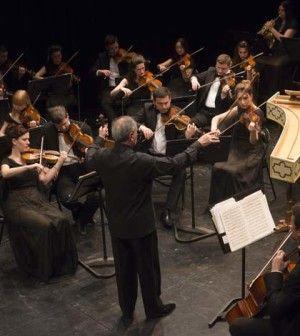 ★★ L'estetica barocca di Tigranyan e della sua Classical Concert Chamber Orchestra