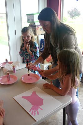 Last Wednesday was the day before Madeleine turned 4 1/2. And on that day we had a fabulous Angelina Ballerina Birthday party. Yes, six ...