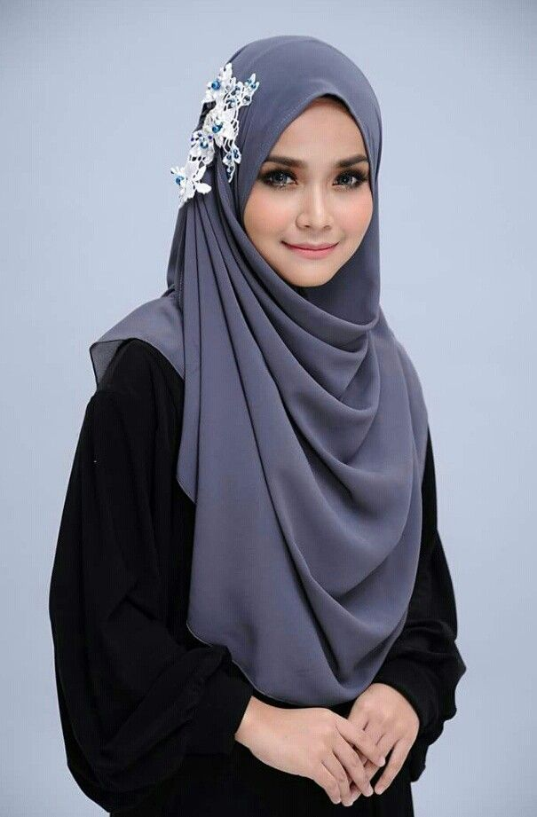 Pretty hijab style...suitable for wedding