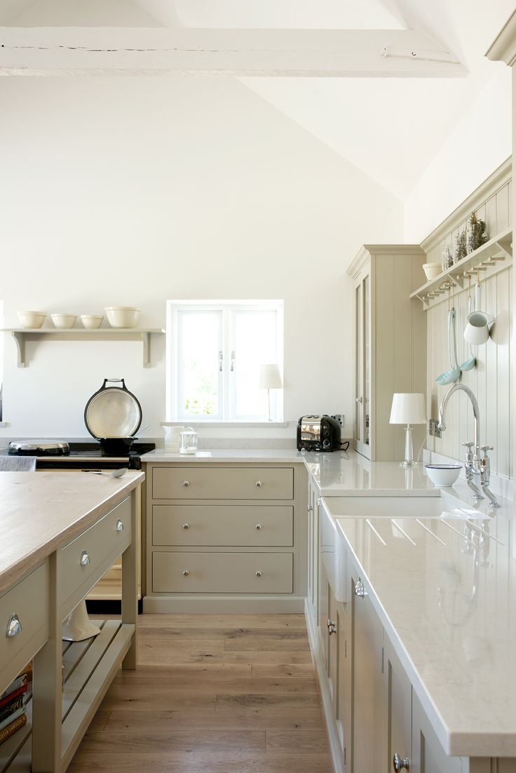 The large bespoke island creates an impressive focal point in this deVOL Shaker Kitchen.