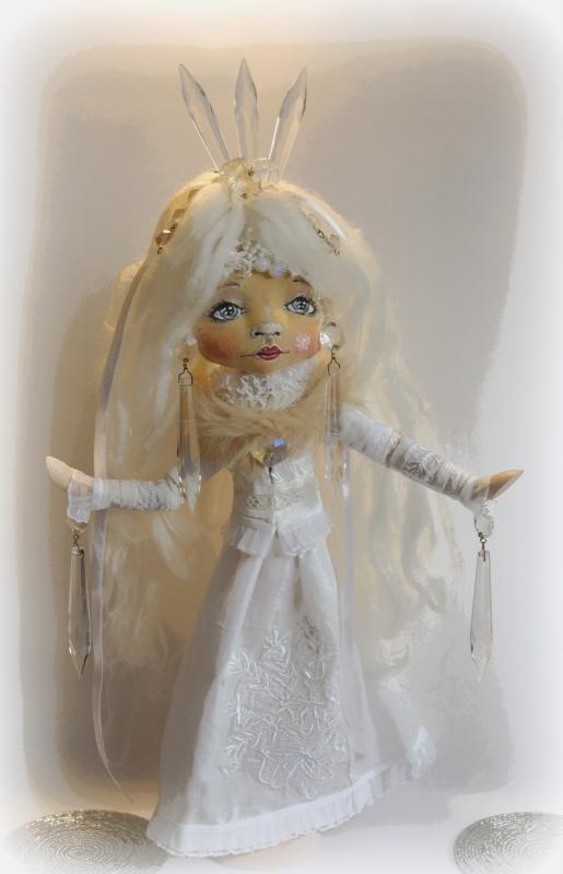 Vláda pani Zimy sa neskončila:) Autorka bábiky: otigo. Artmama.sk