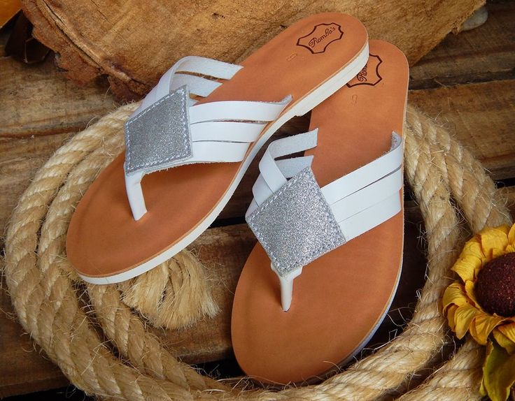 Handmade leather sandal THESSALONIKI ..... white with silver - glitter - details ....