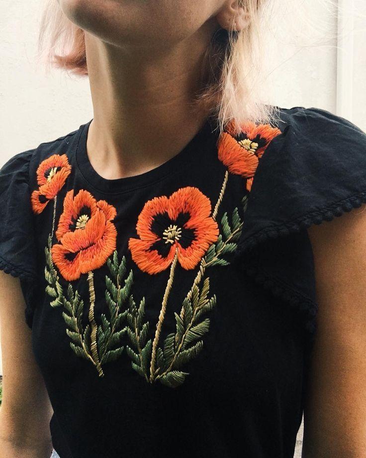 La Imagen Puede Contener Una O Varias Personas Y Planta Embroidery Fashion Embroidered Clothes Hand Embroidery