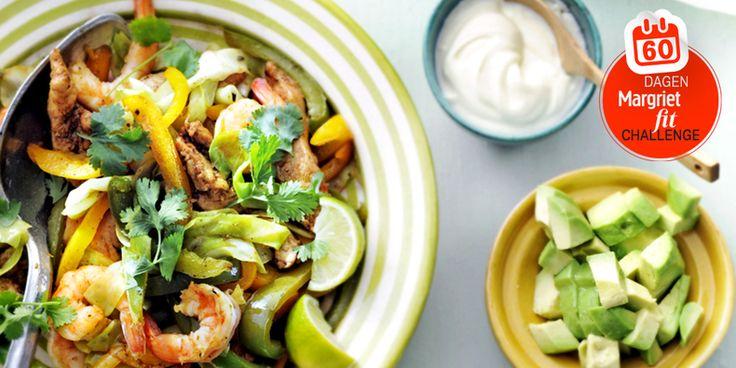 Dag 57 | Recept: Mexicaans wokken met kip, garnalen, kool en paprika Gezonde recepten, Koken, Recepten - Margriet