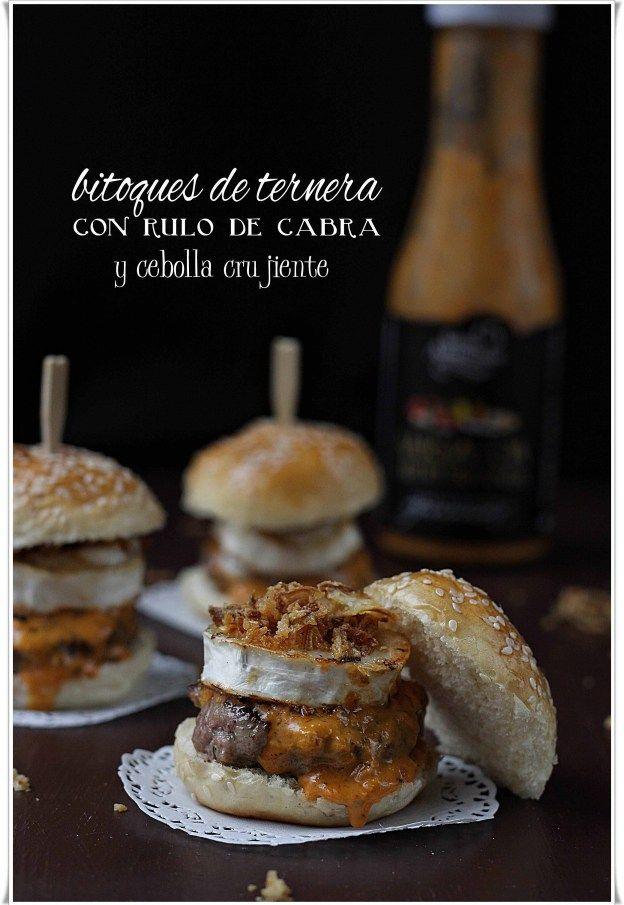 Bitoques de ternera con rulo de cabra y cebolla crujiente {by Paula, Con las Zarpas en la Masa}