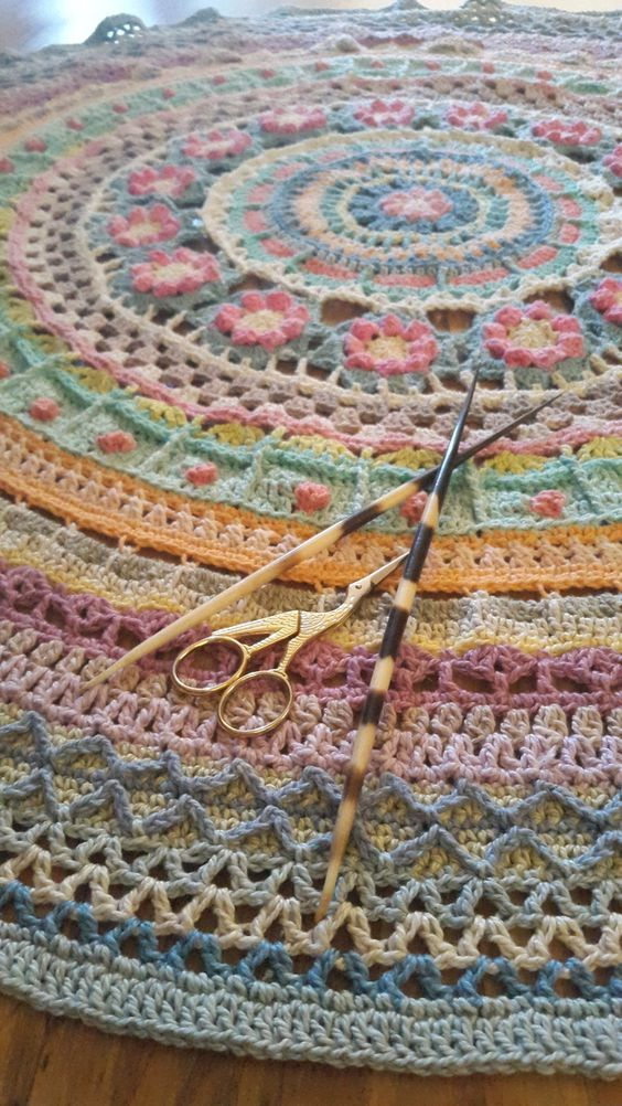 Mandala with me. This is the Queen Mandala CAL 2016. MoYa 100% organic yarn can be purchased from me. Please visit my online shop, www.mandalaqueen.org to place your order. The complete Queen mandala kit is available and can be dispatched worldwide. The pattern is for free and can be found on the Facebook group, Crochet/Hekel Mandala CAL 2016. Come and join the more than 10,000 members worldwide. This is a PROUDLY SOUTH AFRICAN initiative by myself, Annamarie Esterhuizen.: