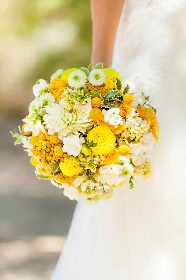 Yellow Bridal Bouquet - PHOTO SOURCE • FIGLEWICZ PHOTOGRAPHY | Featured on WedLoft
