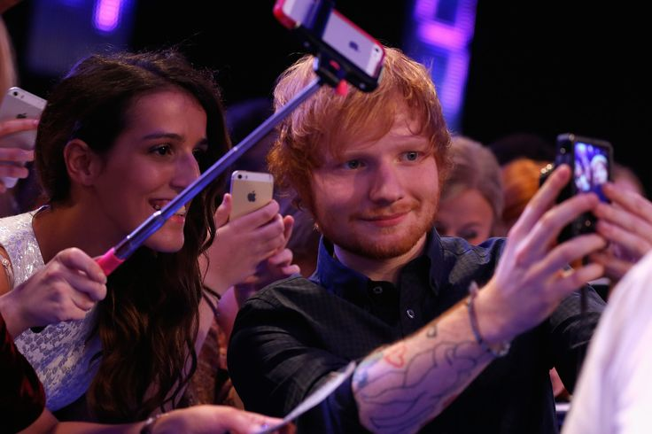 Ed Sheeran got in on the selfie action at the MTV EMAs in Glasgow.
