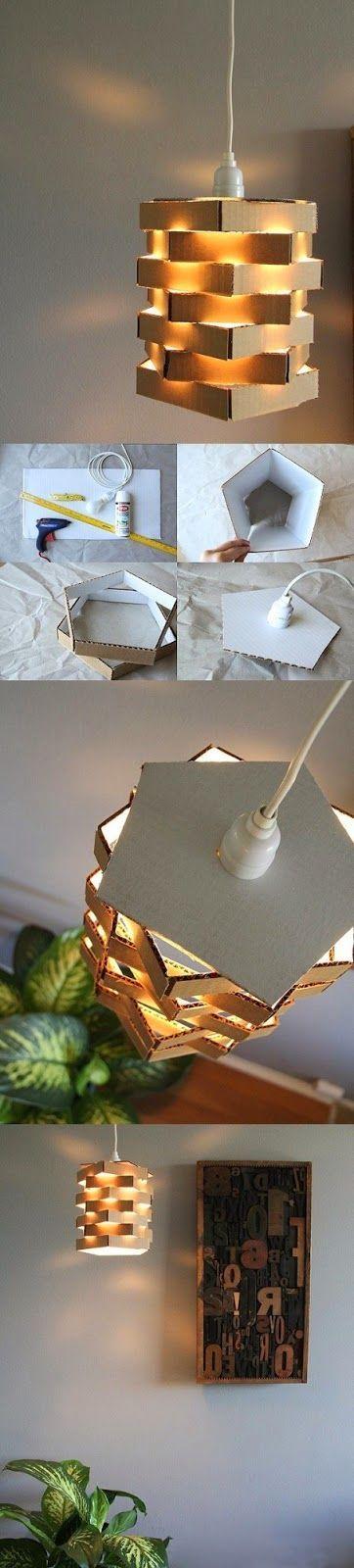 Sabia que é possível até fazer uma luminária com caixas de pizza?  Fica um item de decoração barato e muito charmoso.