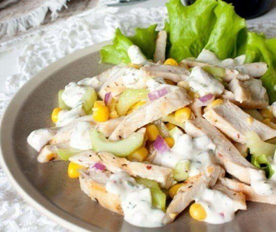 Салат из курицы с огурцом и кукурузой | СУДАРУШКА