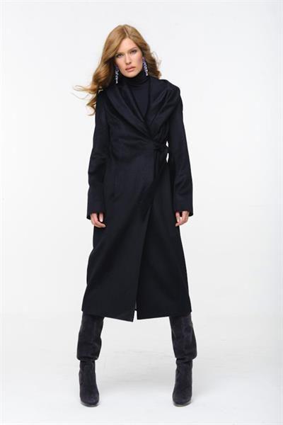 Классическое мужское пальто большевичка