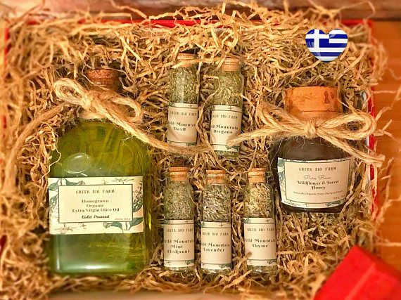 Greek Olive Oil Gift Box Pure Raw Wildflower Forest Honey Gift #greekoliveoil  #oliveoil  #extravirginoliveoil #greekhoney #wildflowerhoney #foresthoney #greekolives  #oliveoilgift #giftformom #mothersday #greeksalad #cooking