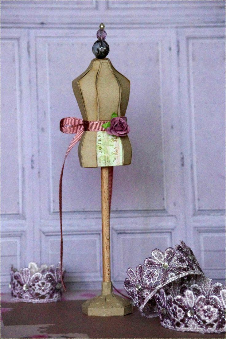 Dress form for Blythe
