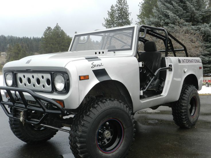 So cool! This would be great for the ranch or the beach. International Harvester Scout 800