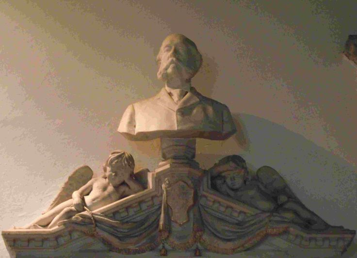 Hauteur and mutton chops: a bust of Capt Peploe atop his tomb in the chancel of Weobley Church, Herefordshire. [Philip Weaver]