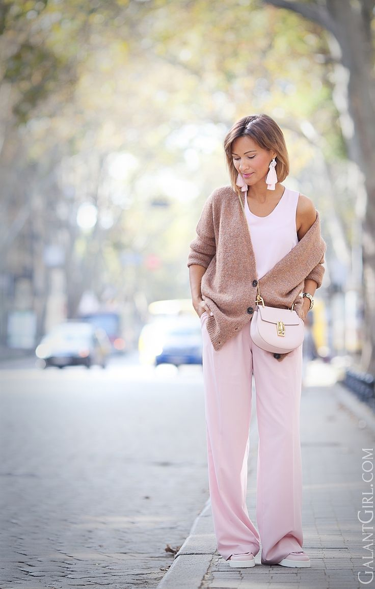 pastel+fall+outfit+ideas-with-cementpink+chloe+drew+bag