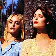 Amber Valletta and Shalom Harlow