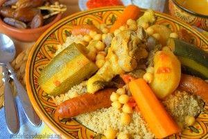 Couscous royal algérien(sans couscoussier) Couscous royal facile et rapide à réaliser pour le plus grand bonheur des papilles, des graines de semoule semi complète…