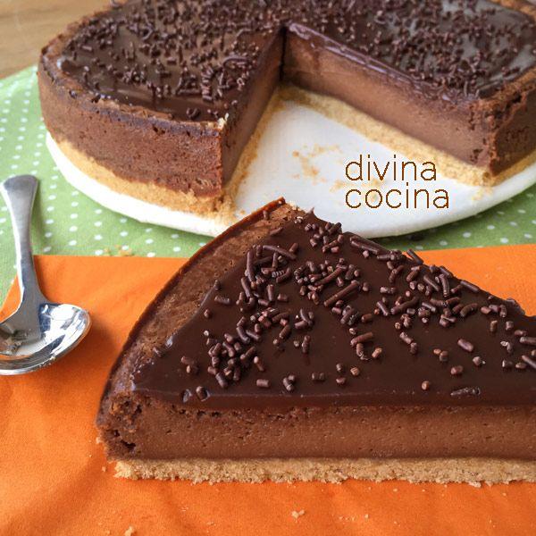 Este receta de Cheesecake de chocolate es el resultado de varias pruebas con distintas recetas. La receta final es sencilla y conquista a todo el mundo.