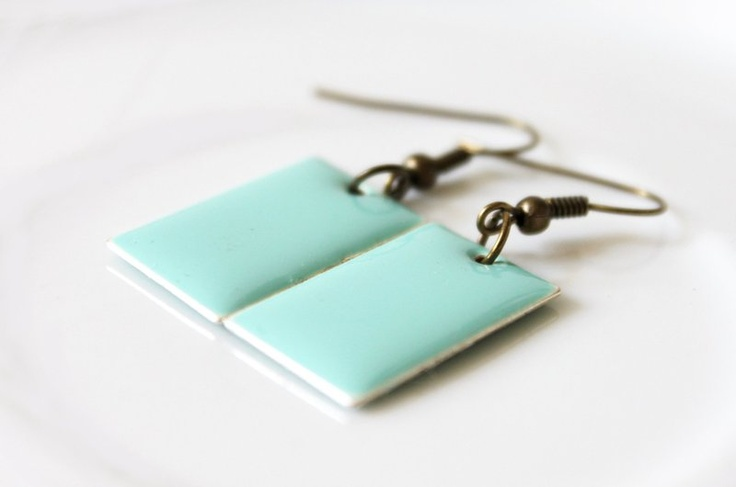 enamel earring - you can get different colors (yellow, pink, ...)