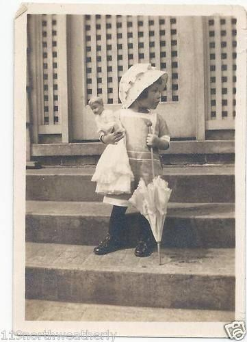 Vintage Be photo girl  with parasol & doll