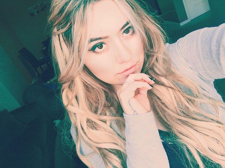 Blondie  Happy Halloween  #happyhalloween #halloween #blonde #girl #collegegirl #college #girl #loyolauniversity #clc #illinios #chicago #chicagogirl #blondie #blondehair #zalahairextensions #selfie #makeupaddict #blondegirl #goldenlocks #tattoo #paradise #fall #cold #instasweet #instagood #chilena #chileangirl #santiagodechile