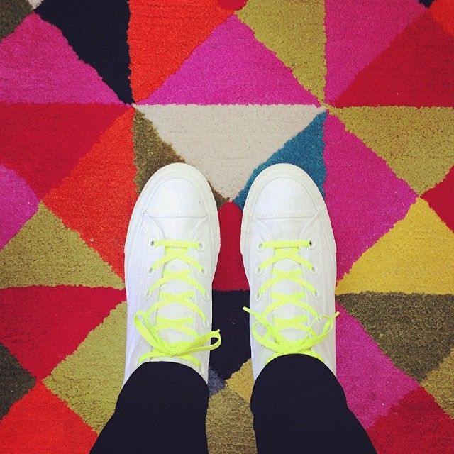 Monochrome white + neon #converse #chucktaylor
