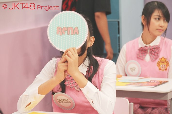 Rena at JKT48 School TV Show.
