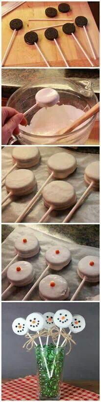 Snowmen cookies mmmmmmmm oreo  I wanna do it!!!!!!!!!!!!