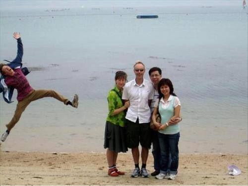 Photobomb at the beach