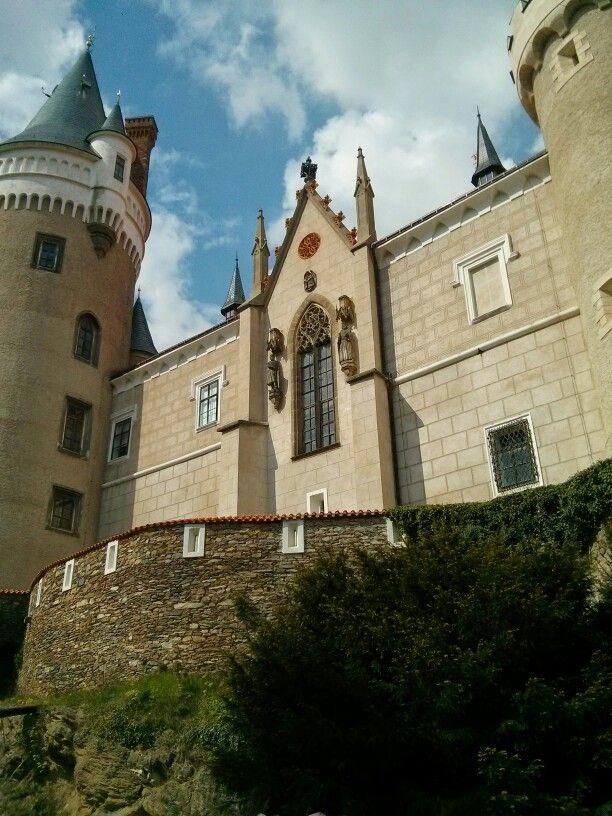 Žleby castle
