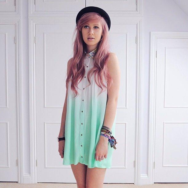 #CageCity two tone dip dye t-shirt dress  #Blogger #Dipdye #PinkHair #Turqouise #Hat #Dress #Fashion #Pastel #amyvalentine
