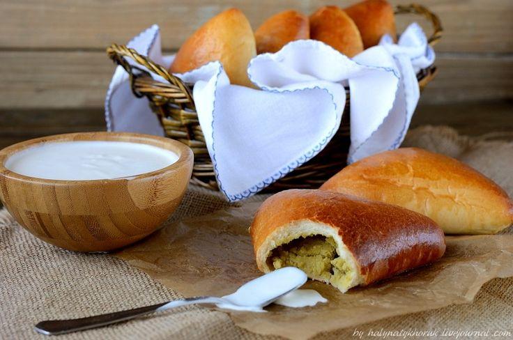 Пирожки с горохом и салат с фасолью: halynatykhoruk