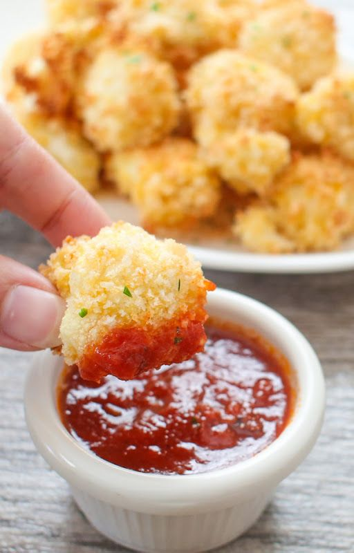 Parmesan #Cauliflower Bites are crispy and delicious! Substitute the panko breadcrumbs for crushed #porkrinds to make it #lowcarb!